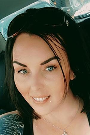 Dominique-Knowles-profile